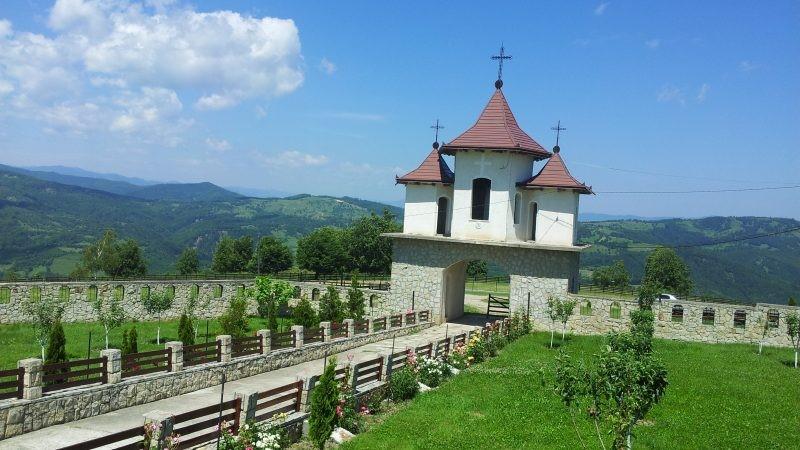 Mănăstirea de pe Muntele Bolovanu
