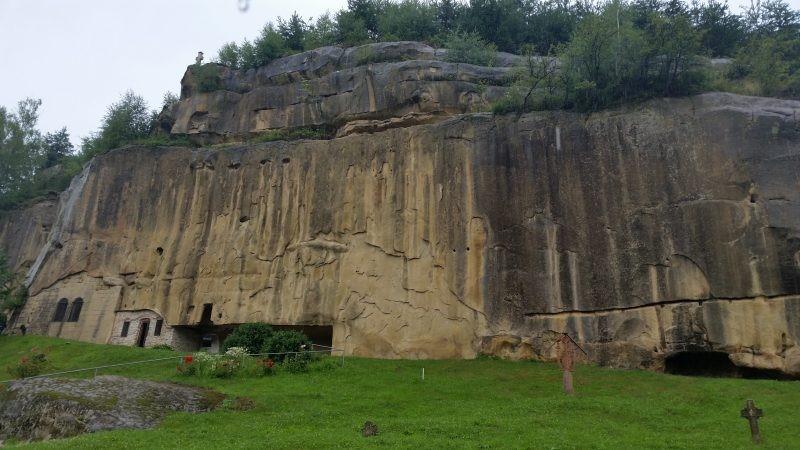 Mănăstirea rupestră Corbii de Piatră