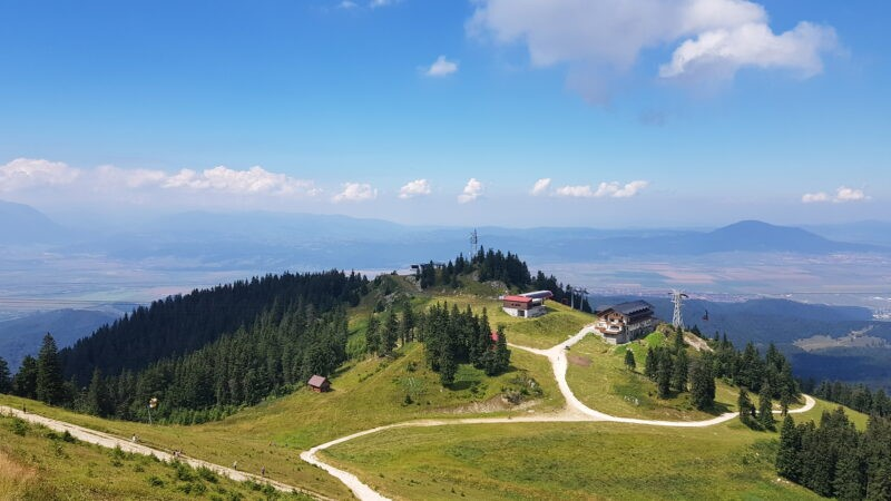 Un loc unde muntele ți-e la îndemână