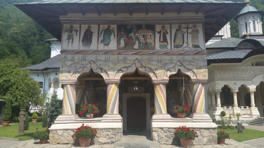 Mănăstirea Lainici, un lăcaș aparte