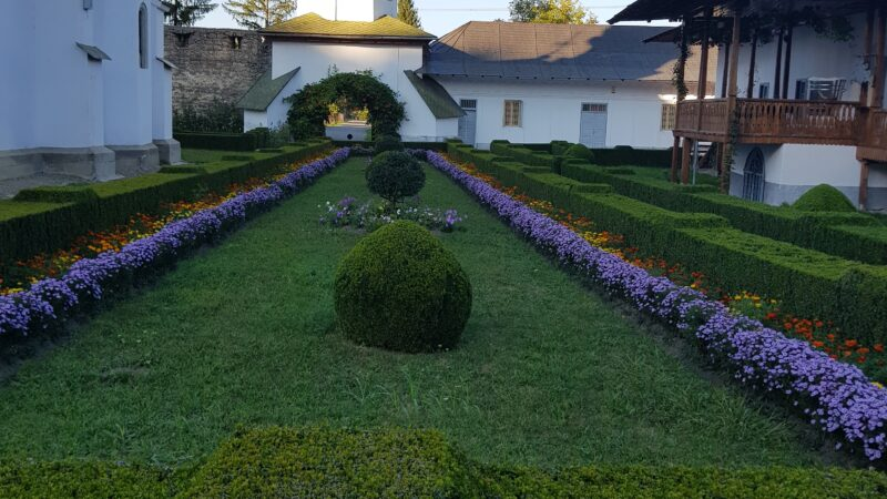 Mănăstirea Bogdana și liniștea ei